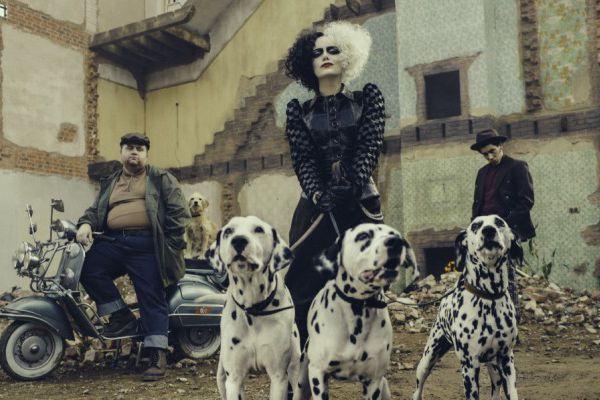 Кадр из фильма Круэлла