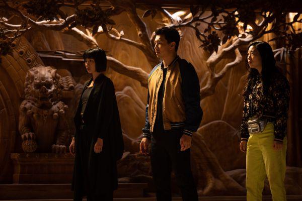 Кадр из фильма Шан-чи и легенда десяти колец